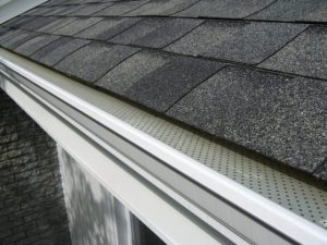 Read more about the article Overflowing Eavestrough Needs Attention